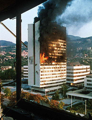 Evstafiev-sarajevo-building-burns Photo by Mikhail Evstafiev