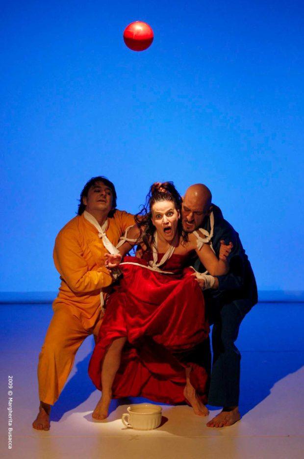 Jean-Marc Larrue, Théâtre étudiant, collège de Valleyfield, Québec, Émilie Fortier, Prix Salaberry, festival, troupes, Gaddo Bagnoli, Scimmie Nude, théâtre
