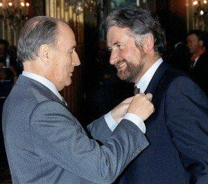 François Mitterrand décore Loïk Le Floch-Prigent