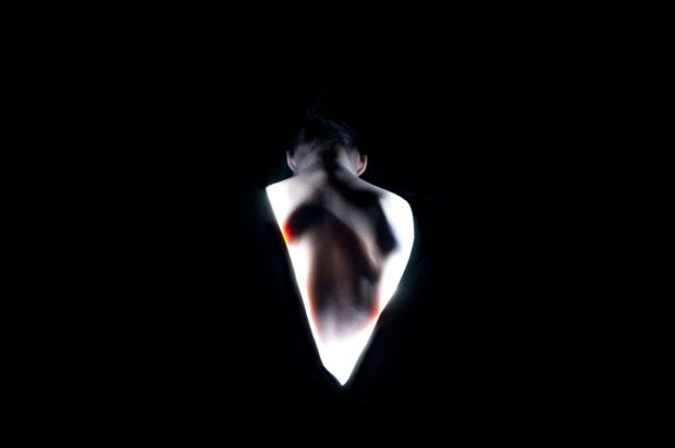Mélanie Perrier, Nos charmes n'aurant pas suffi, nos charmes