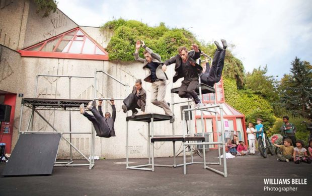 The urban Playground - Triangle jump