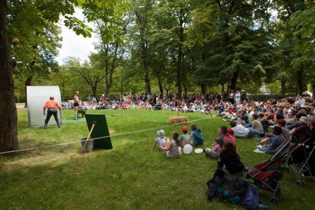 Entre Serre Et Jardin Festival Enl Ve Tes Bigoudis