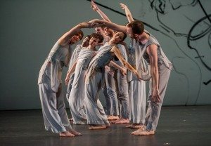 """""""Les Yeux et l'Âme"""" de Trisha Brown Dance Company,  photo Credit:  ©Stephanie Berger."""