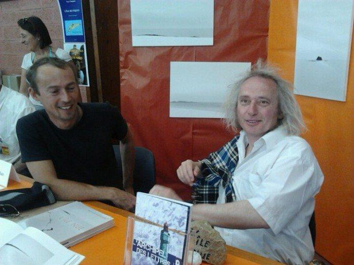 Le peintre Yann Queffelec et l'écrivain Henry Le Bal lors de l'édition 2011