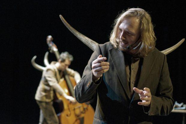 L'homme cornu par Rode Boom, Kurt Demey (Pays-Bas) Mordelles