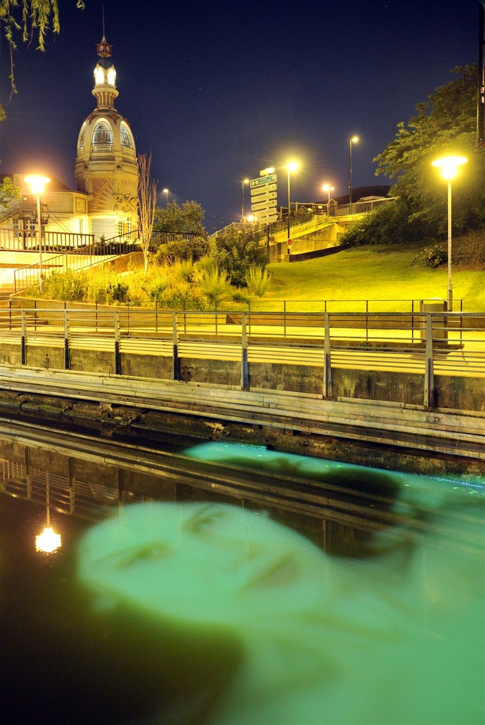 Estuaire by night nantes for Piscine ile gloriette nantes
