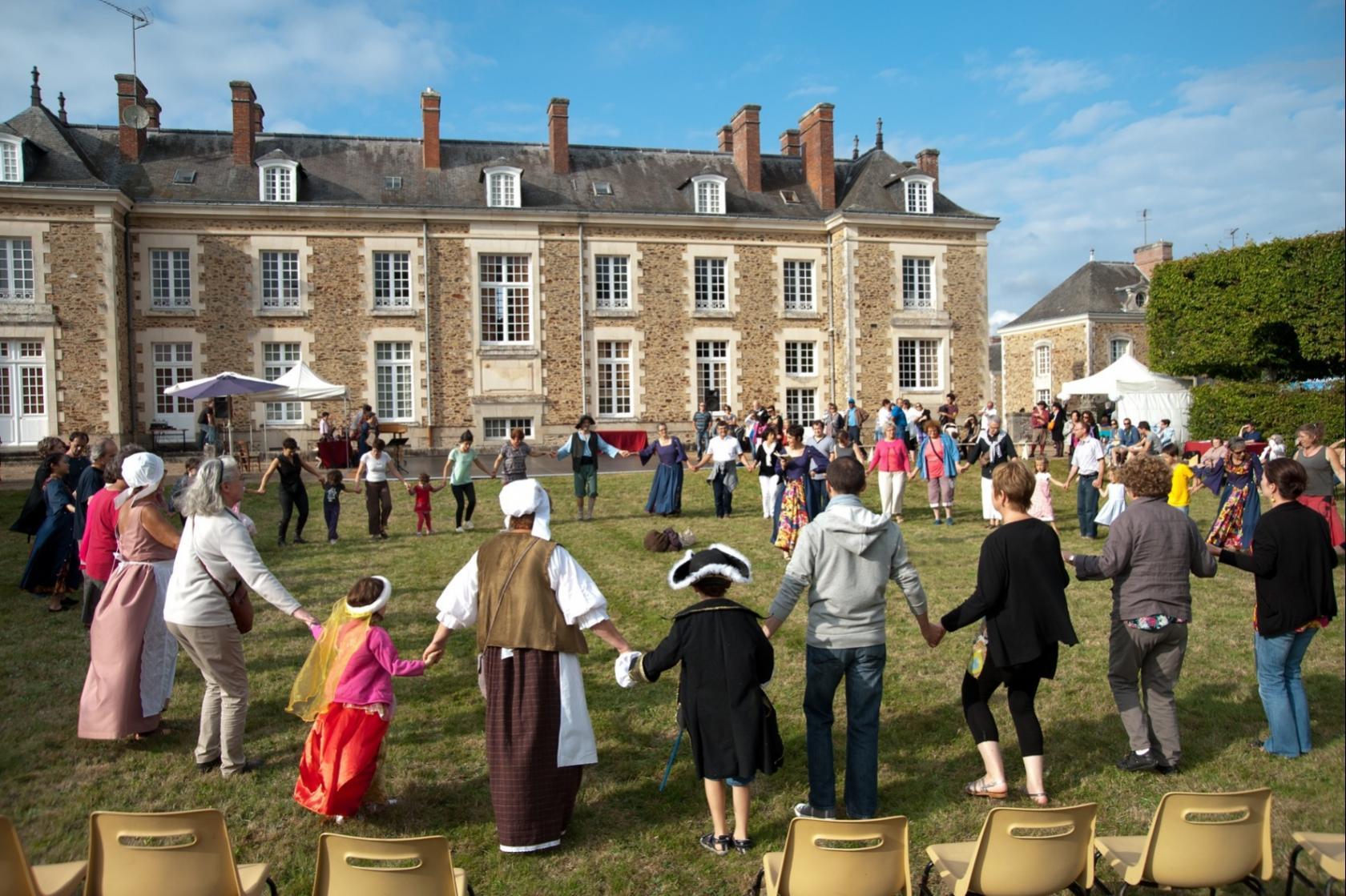 Journée festive au château, musique et danse renaissance Saint-Mars-la-Jaille