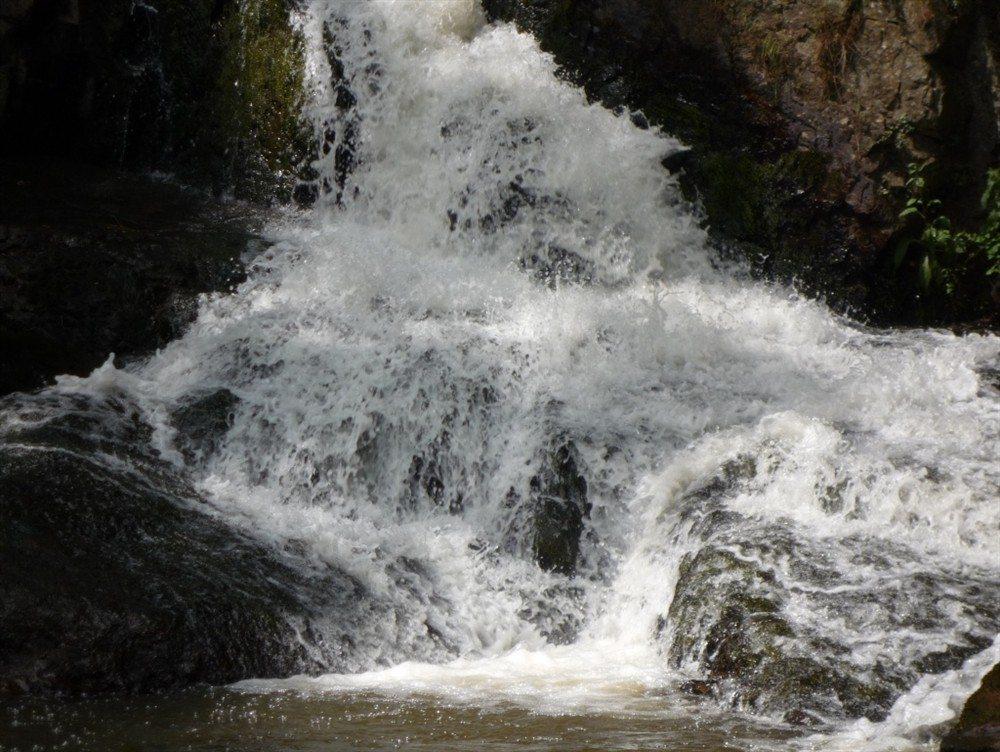 Les cascades, sur les pas de Ribwold, le gobelin de Mortain Mortain-Bocage