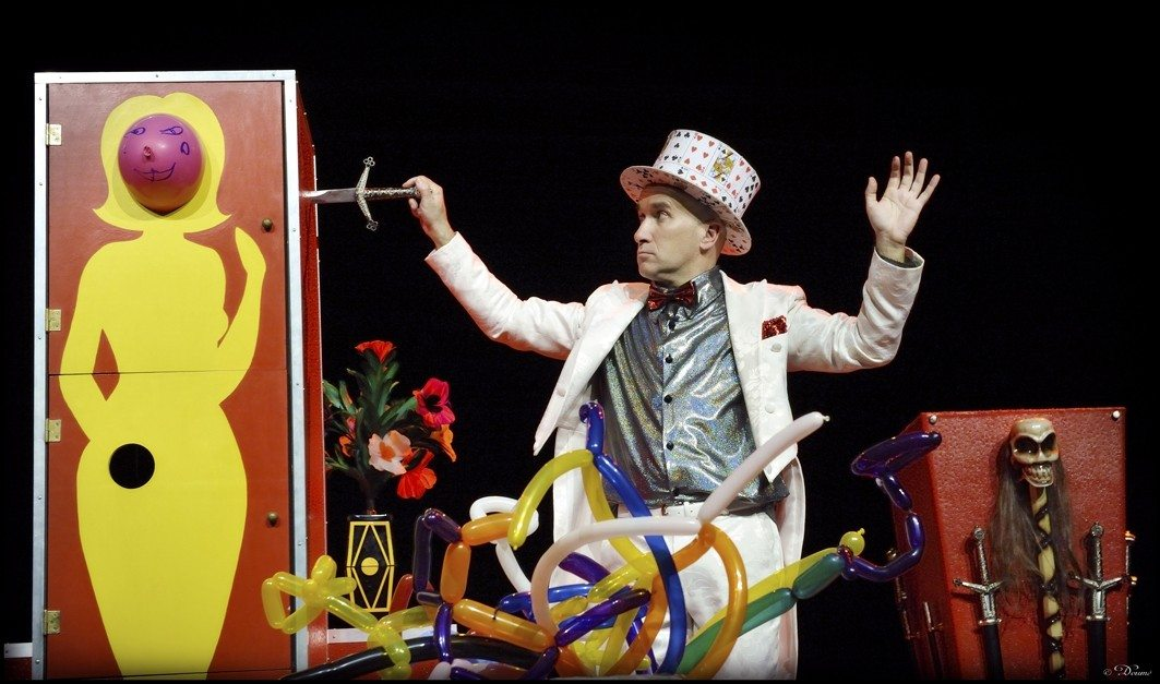 Magie et humour : Magic Gordon fait un peu illusion. Saint-Philbert-de-Grand-Lieu