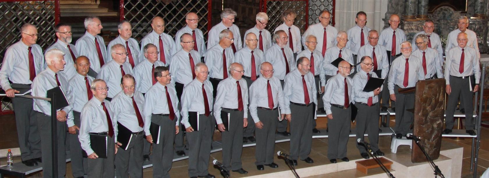 Mouezh Paotred Breizh en concert Huelgoat