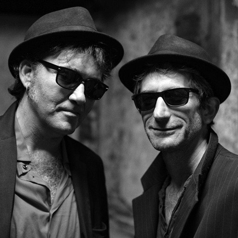 Two men in blue Bréal-sous-Montfort