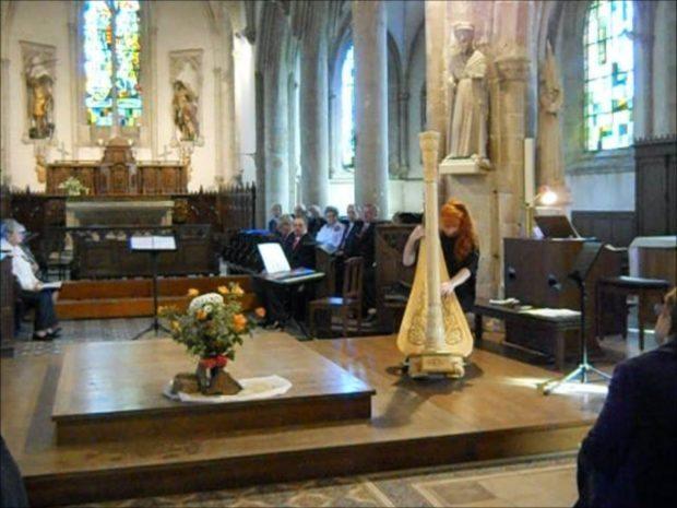 Chant'enscène sous direction Sonja Beets Voyage du Monde Saint-Lô-d'Ourville