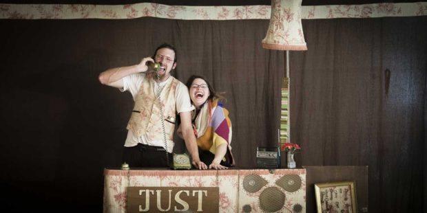 Clowns et théâtre rue Montours