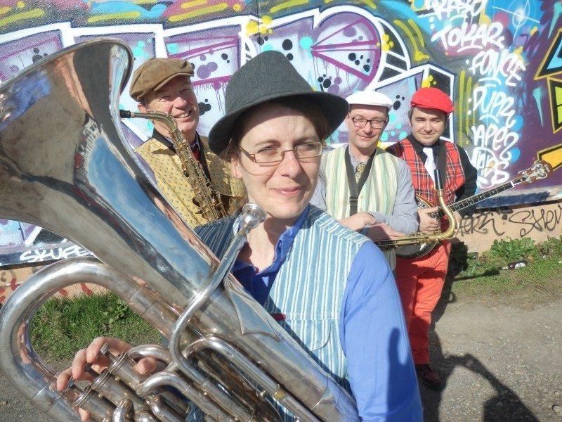 Concert Zic sur Zinc jour jazz Nicorps