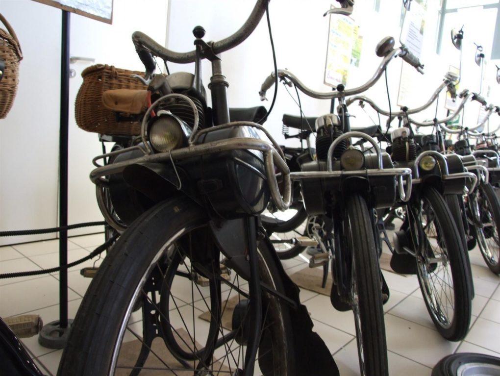 Exposition collection de Vélo-solex Angles