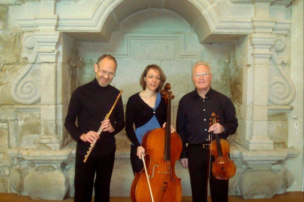 Le trio Ehes à l'église Plougasnou Plougasnou