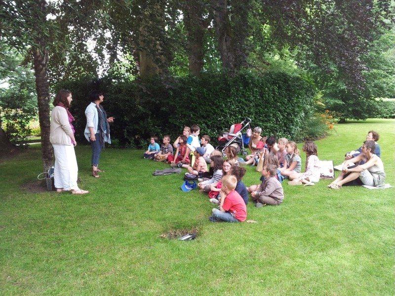 Lecture de contes au jardin des plantes de Coutances Coutances