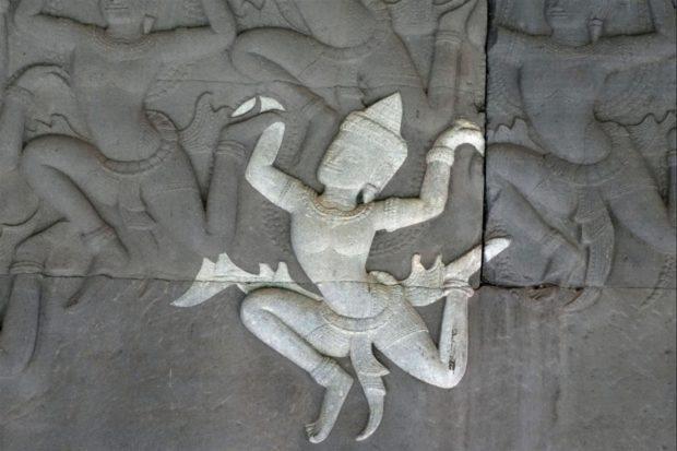 Les danses des khmers anciens Sulniac
