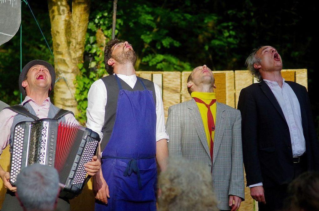 Les Estivales Hic ! quatuor de comptoir Théâtre Burlesque Sartilly-Baie-Bocage