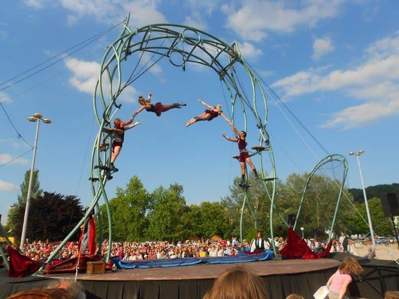 Les Ptits bras - La Déferlante - spectacle d'art du cirque La Tranche-sur-Mer