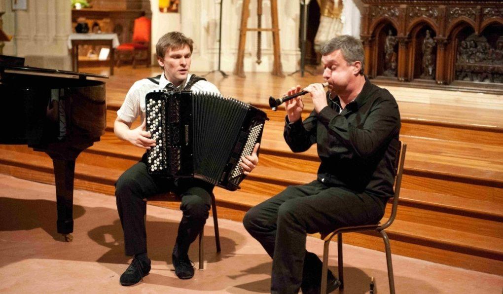 Nijadel (bombarde et accordéon) et Frédéric Lemaire (trompette) Châteaulin