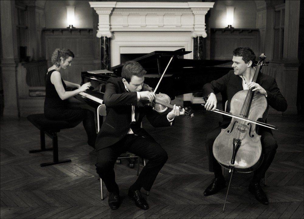 Concert à l'église de Vierville-sur-Mer avec le Trio Dali Vierville-sur-Mer