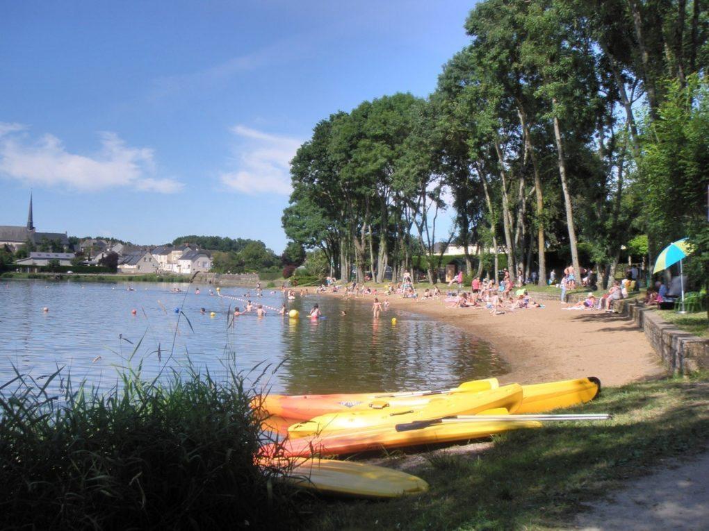 Baignade à l'étang Saint-Aubin de Pouancé Pouancé