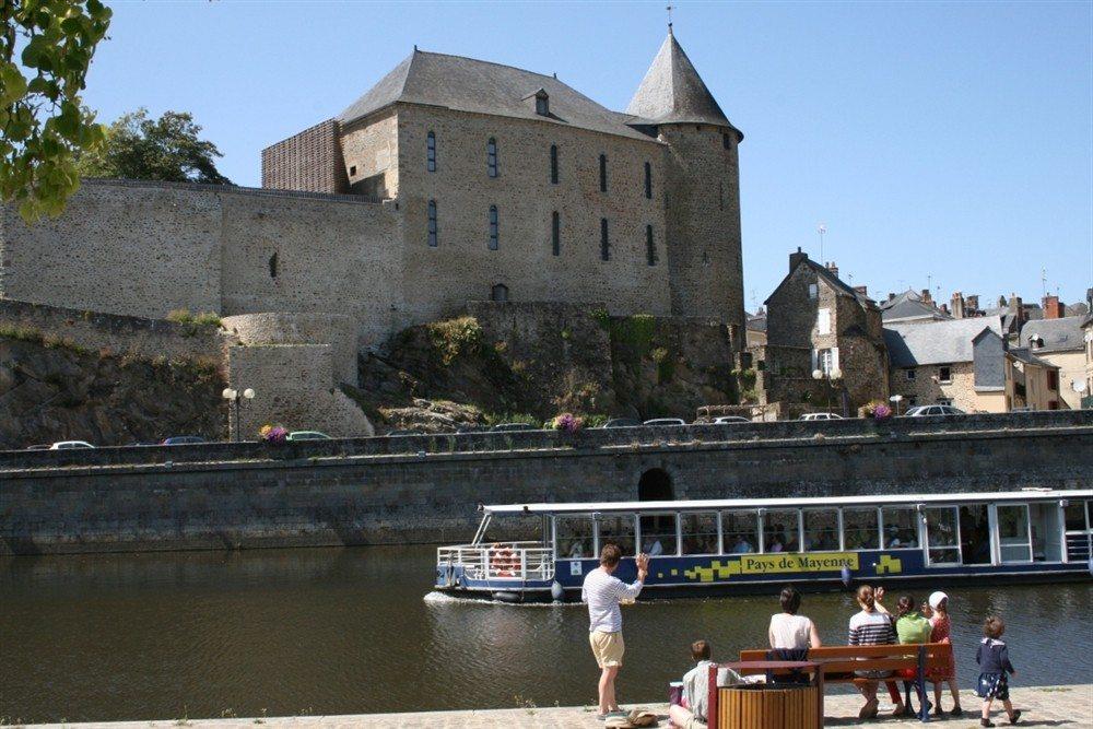 Croisière au crépuscule Les légendes mayennaises Mayenne