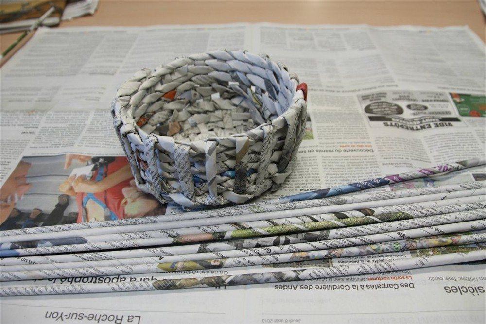Fabrication d'un vide-poches en papier journal Chaillé-les-Marais