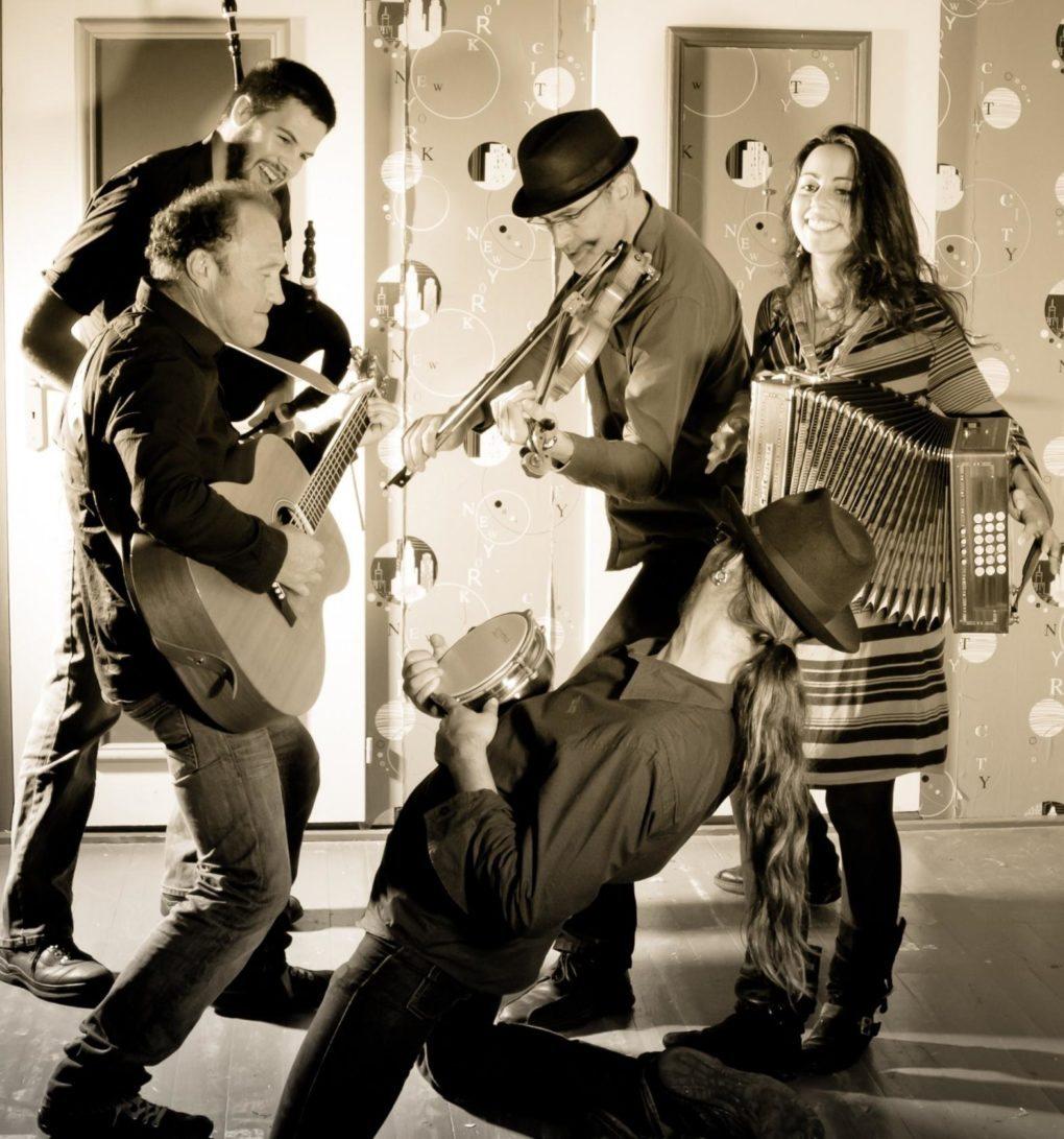 Halles et danse, soirée musiques et danses traditionnelles Beauvoir-sur-Mer