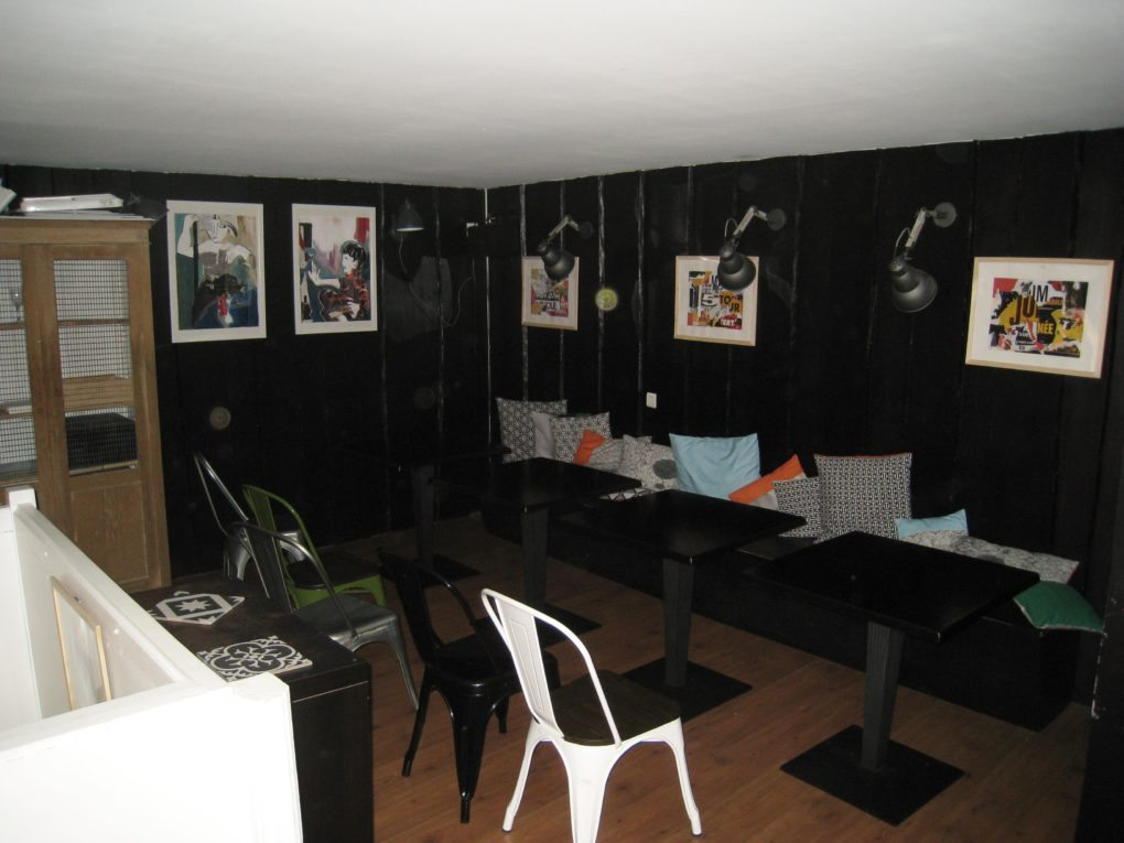 rennes la clara bar tapas vacances ib riques toute l ann e unidivers. Black Bedroom Furniture Sets. Home Design Ideas