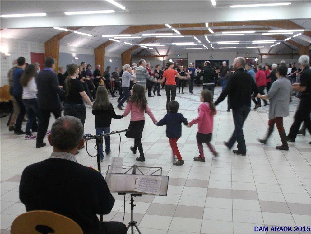 Dam Araok : repris des cours de danse bretonne Brech