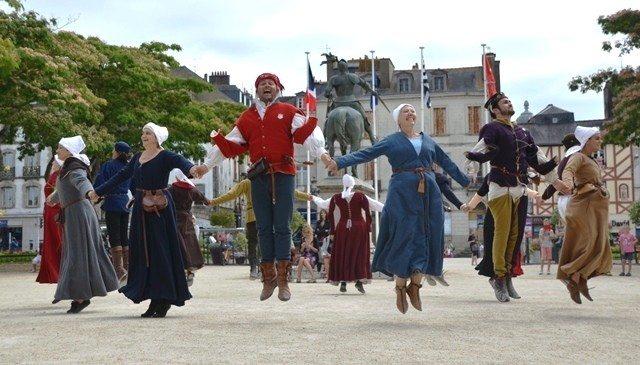 Danses de cour au château Saint-Mesmin