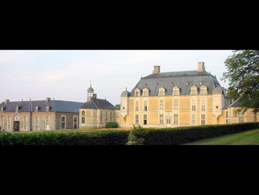 Découverte d'un château de la Loire en Bretagne Bourg-des-Comptes