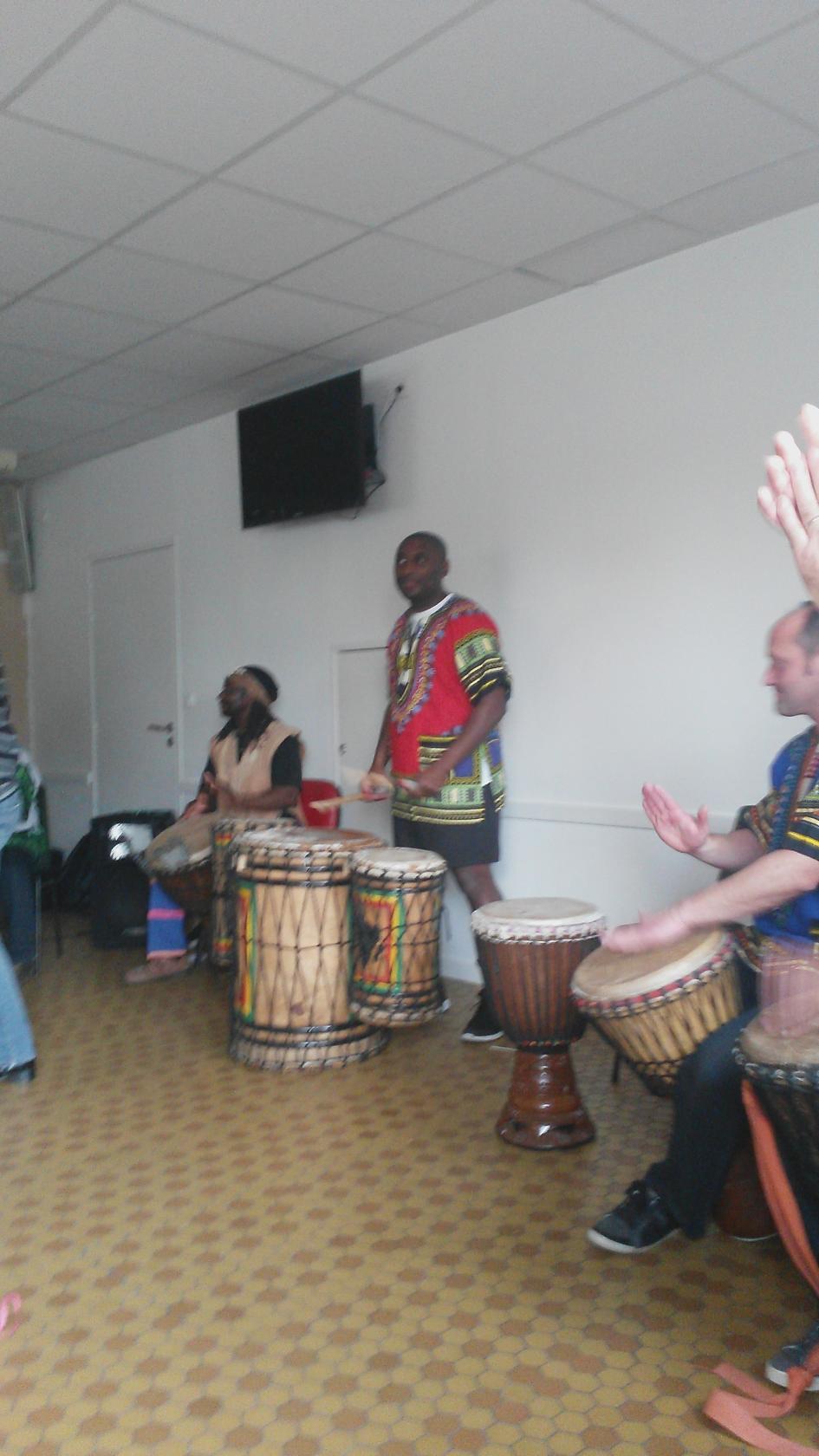 Découverte des percussions et de la danse ethnique Cholet