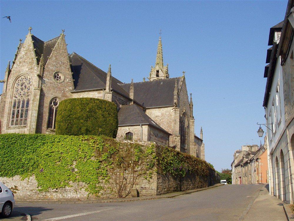 Église Saint-Ténénan Guerlesquin