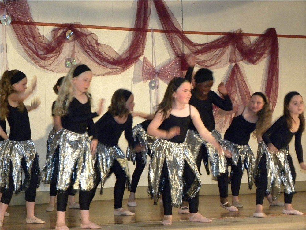 Inscriptions aux cours de danse moderne à partir de 4 ans Crédin