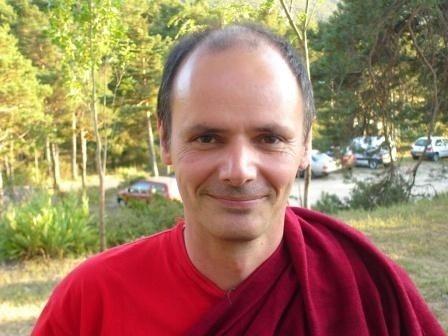 L'amour au-delà de l'attachement par Lama Rabzang Quimper