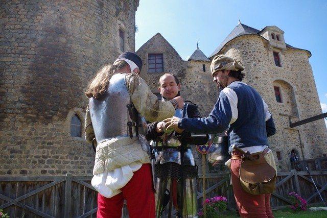 Pas d'armes et joutes au château Saint-Mesmin
