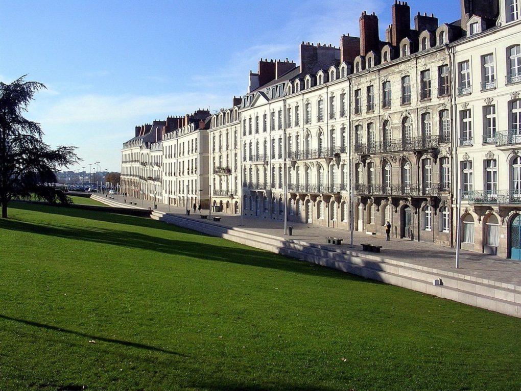 un hall, un artiste sur l'île Feydeau Nantes