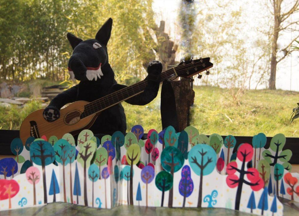 Promenons nous dans les bois en musique et en chansons for Les 5 jardins saint barthelemy d anjou