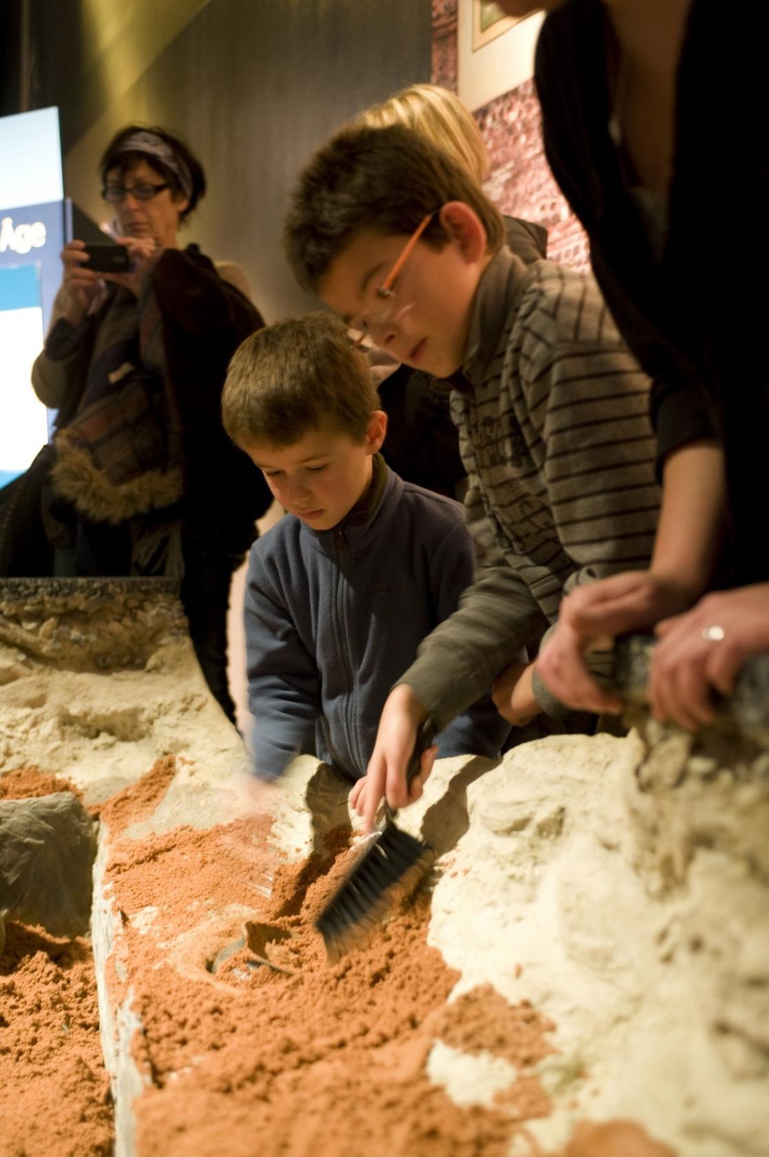 Ateliers individuels enfants, poterie du Néolithique Rennes