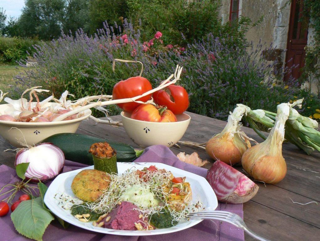 Conférence sur l'alimentation et dégustation de plats bio La Perrière