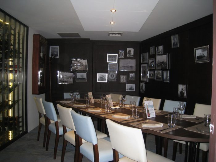rennes le restaurant l amiral inaugure sa nouvelle formule unidivers. Black Bedroom Furniture Sets. Home Design Ideas