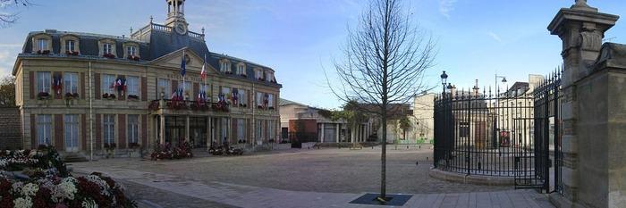 La diva maisons alfort beautiful maison vue mer manche for Bar belge maison alfort