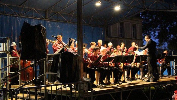Fête de la musique à Epinay sur Orge Parc de la mairie d'Epinay sur ... - Unidivers