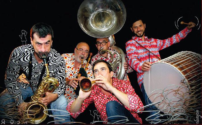 Serot/Janvier et la Groove Cie Rue de Domfront Flers