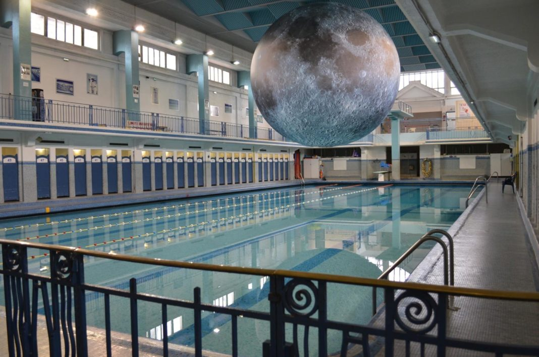 PISCINE SAINT GEORGES MOON