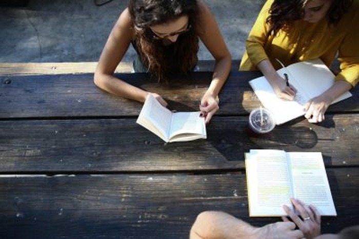 WRITE-IN : ECRIVEZ ENSEMBLE AVEC LES INFINITE WRITERS