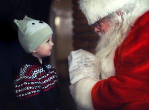 Descente lumineuse du Père Noel Place du Centre
